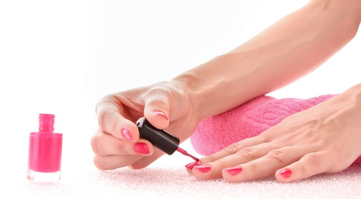 How to make your nails look professionally painted... At home! - You don't have to go to a nail salon every time your toenails or fingernails need a new coat of polish. Armed with the knowledge in this article, you can keep your own nails looking fantastic all the time, without ever having to enlist the help of a professional!