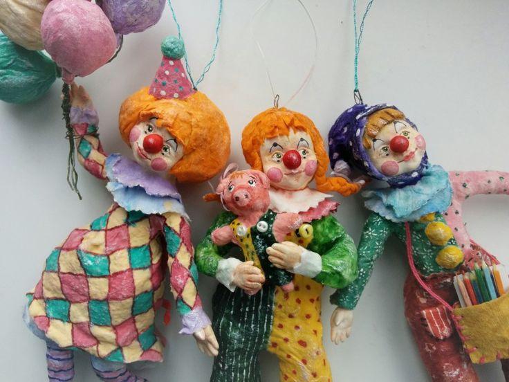 "Оригинал взят у happy_ula в Ватная елочная игрушка ""Дочь клоуна"" Осень сама диктует краски)) Игрушка на ёлку ""Дочь клоуна"". Ватное папье-маше. 14 см. Личико и ручки…"