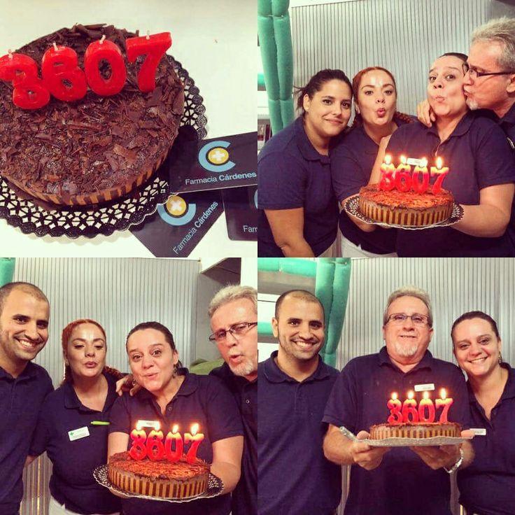 Farmacia Cárdenes en C/Juan Manuel Durán Las Palmas de Gran Canaria superando todos los retos! Y celebrandolos!