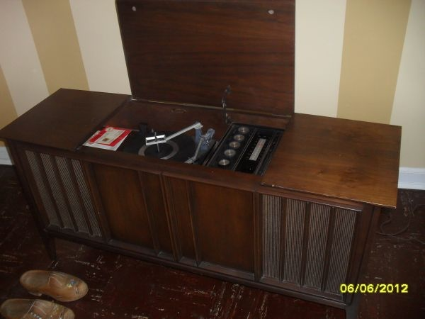 1960u0027s Stereo Cabinet System