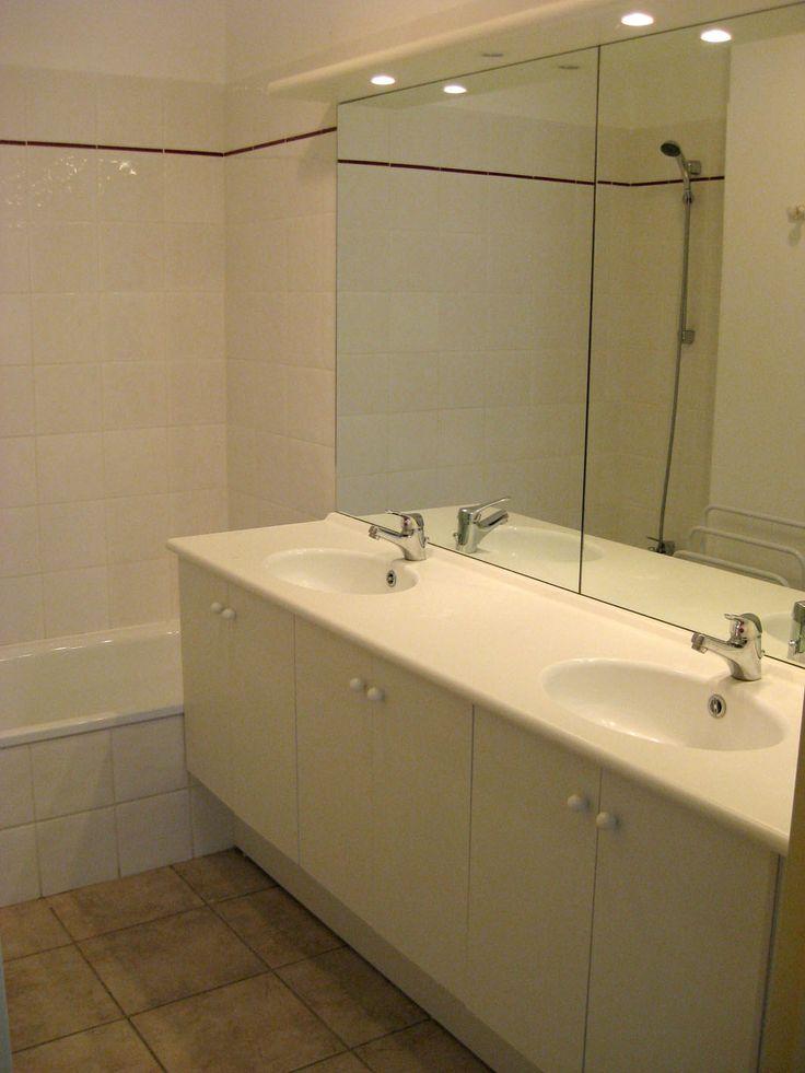 Exemple de salle de bain au cœur de la résidence les Jardins de Phoebus. By Goelia