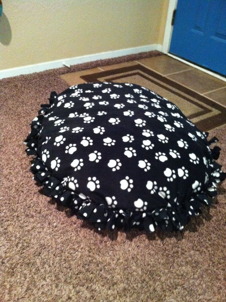 Tie Blanket Dog Bed