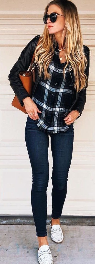 #spring #outfits woman wearing white and black plaid shirt and black jeans outfit. Pic by @leannebarlow