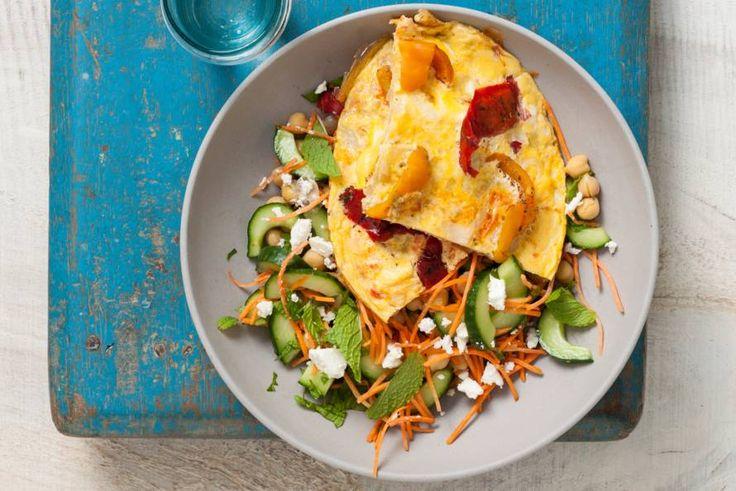 Paprikaomelet met salade - Recept - Allerhande - Albert Heijn