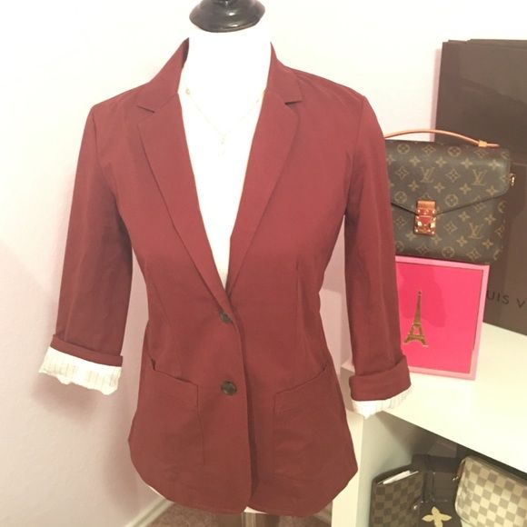 Eddie Bower Maroon Blazer Perfect with a rolled up sleeve for a casual look with skinny jeans or also perfect for a work day in the office! This versatile and chic blazer will take you from day to night! 98% cotton 2% spandex Eddie Bauer Jackets & Coats Blazers