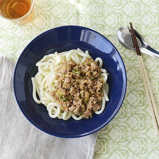 #4コマレシピ 基本のかんたん常備菜、『肉味噌』 とっても簡単に作れて、うどんやラーメンにのせるだけでも十分に美味しいレシピです。料理家・フルタヨウコさんに教わったレシピ、この後の投稿でお届けします! ▶︎くわしいレシピはサイトでお届けしていますhttp://hokuohkurashi.com/note/80407 #北欧暮らしの道具店 #おうちごはん #うちごはん #レシピ #おうちカフェ #うちカフェ #iittala #teema #イッタラ #ティーマ