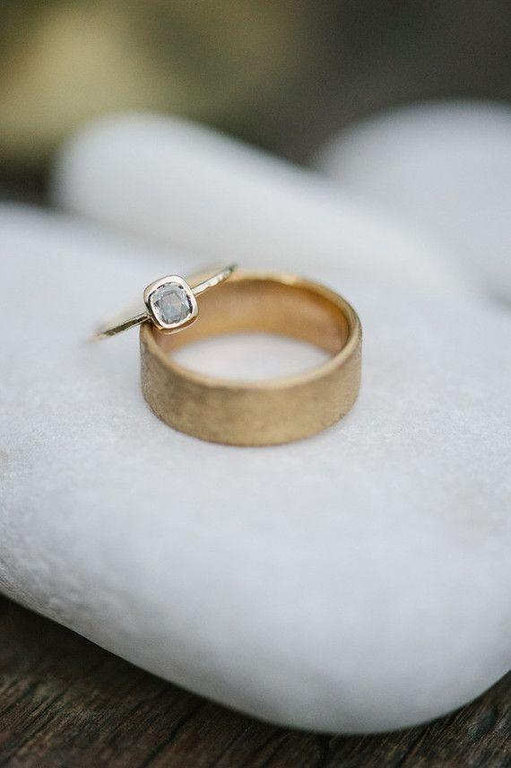 Modern wedding ringsThe 25  best Modern wedding rings ideas on Pinterest   Modern  . Modern Wedding Bands. Home Design Ideas