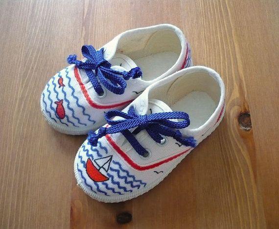 Zapatillas pintadas a mano. Hand painted sneakers by Nicomo Niporqué…