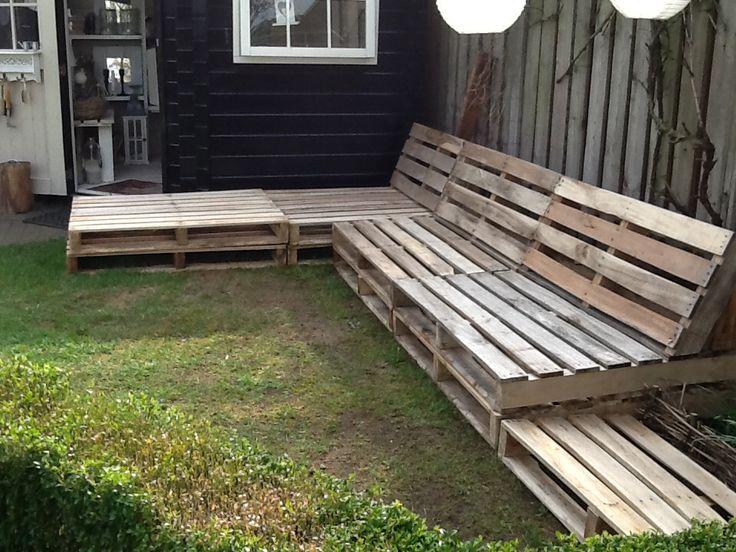 Meer dan 1000 idee n over houten pallet bank op pinterest palletmeubilair pallet sofa en - Bank terras hout ...