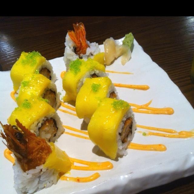 Mango soft shelled crab sushi, Sun with Moon, Wheelock Place