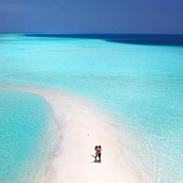 Feeling like such a happy girl to share all of this with my favourite person in the world🌴#couplegoals #lovehim #kuramathiresort #maldives #travel #wanderlust #beachlife #sandbank #reiselust #globetrotter #aroundtheworld #wanderer #exploringtheglobe #travellife #neverstopexploring  #starttheadventure #daydreaming #bucketlist ✔ @djiglobal