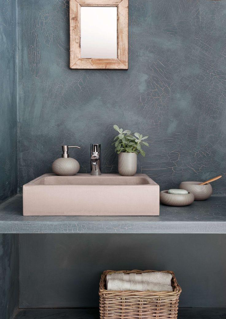 Shop de mooie badkameraccessoires van #Aquanova voor een rustige sfeer in de badkamer. #bathroom