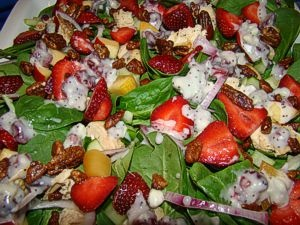 Strawberry Spinach chicken salad | I Cook Awesome Food | Pinterest