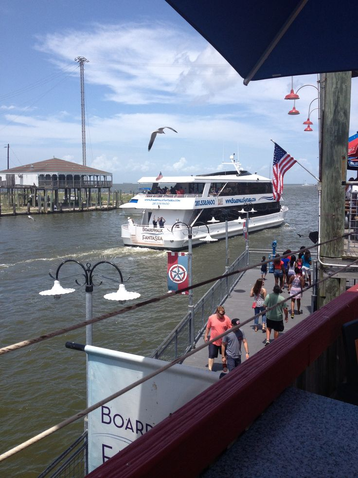 A Boat Mobil restaurant in Kemah, Texas