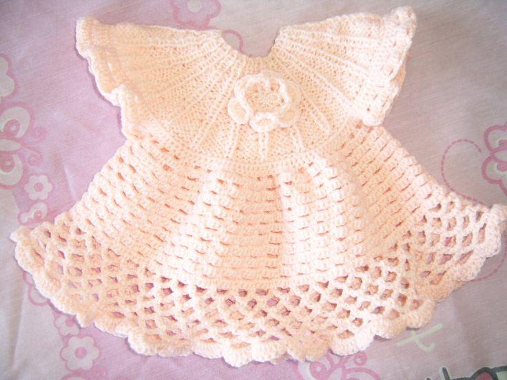 Vestidito niñita Tejido en lana fina bebé- Pechera tejida a palillos - Faldón tejido a crochet.