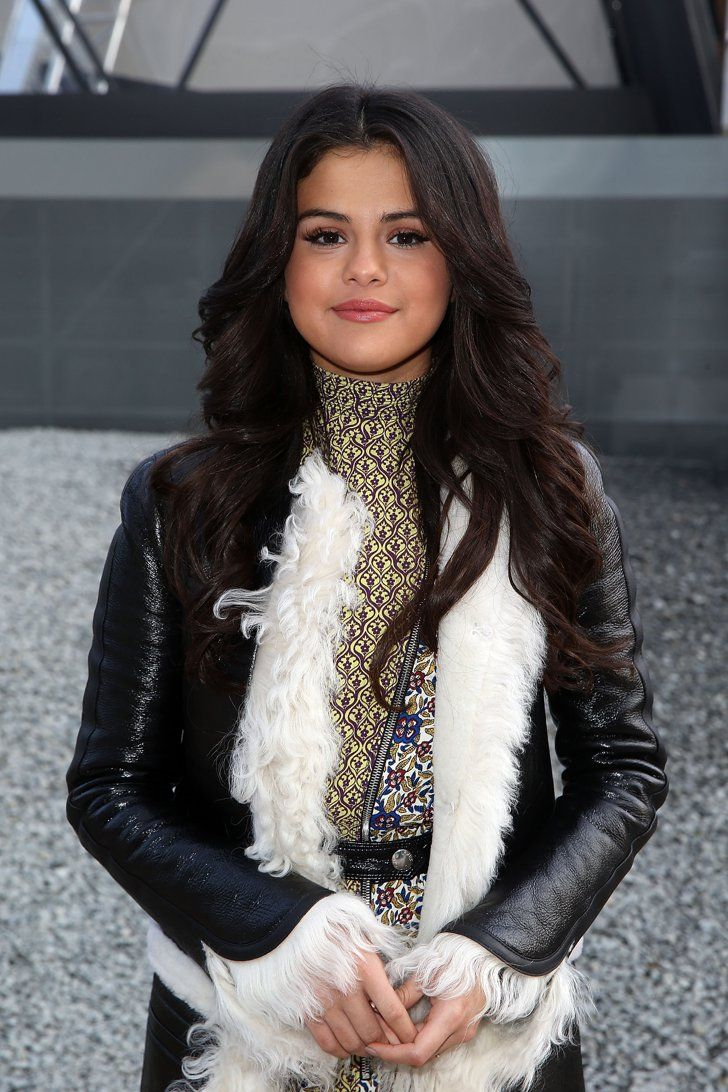 Pin for Later: 30 Filthy-Rich Stars Under 30 Selena Gomez, 22 The actress and singer never needed Justin Bieber's millions — she's standing strong on her own with an estimated net worth of $18 million.