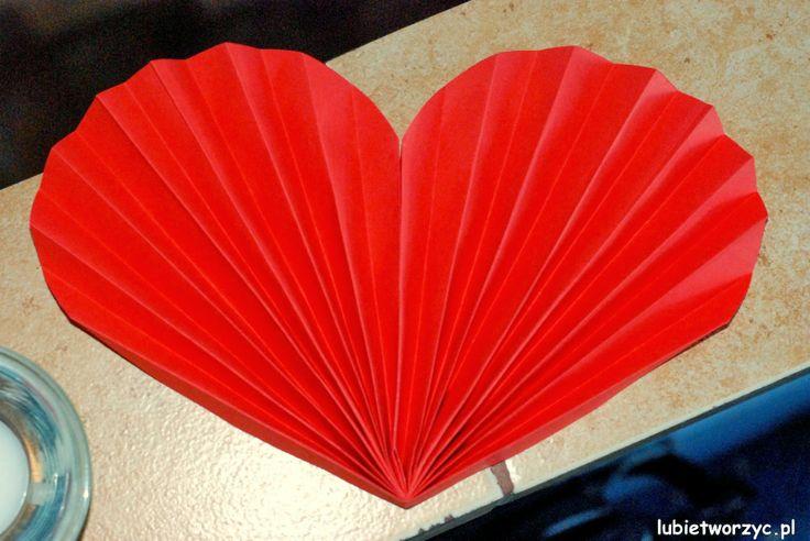 Śliczne harmonijkowe serce z papieru :)   #serce #sercezpapieru#papieroweserce #harmonijkoweserce #Walentynki #DzieńBabciIDziadka #DzienMatki #DzienOjca#sposobwykonania #instrukcja #jakzrobic #DIY #lubietworzyc #heart #paperheart #ValentinesDay #mothersday #fathersday #handmade #papercraft #howto #instruction