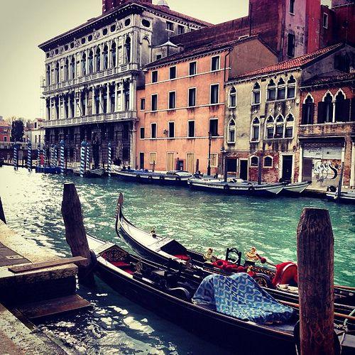 #italy #venice #venezia #city #water #sea #gondola #carnival #atmosphere #love #webstagram #insta #instapic #instaeffectfx #instagood #photo #iphone #iphoneonly #iphonesia #photooftheday #people #gallery #riccardoch  #instagramitalia  #bestoftheday #beaut