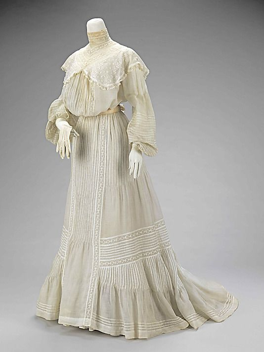 Late Victorian Era Wedding Ensemble - H & W Company - Date: 1903 - Brooklyn Museum Costume Collection at The Metropolitan Museum of Art, Gift of the Brooklyn Museum, 2009; Gift of Mrs. Wistar H. Walke, 1966