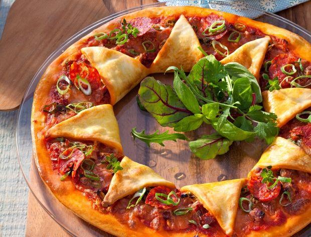 Avec un basique tel que la pâte à pizza, on peut tout imaginer, mais vraiment tout ! Pliez, dépliez, formez, garnissez… Les formes comme les couleurs s'adaptent à votre humeur.