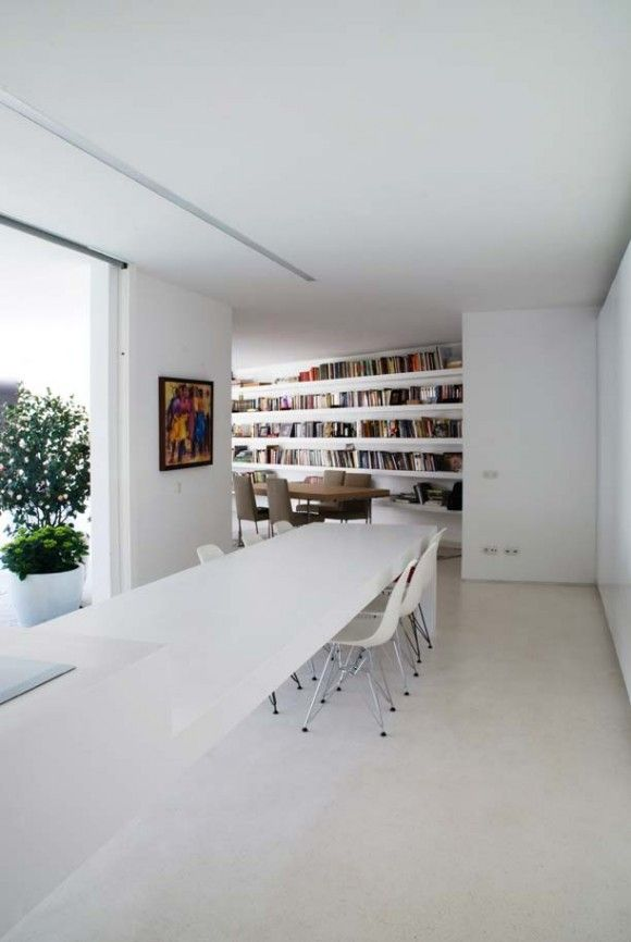 great table!: Libraries, Eames Chairs, Crafts Spaces, Offices Ideas, Architecture Inspiration, Mateus Architects, Houses In Aroeira Air Mateus, Long Tables, Home Offices