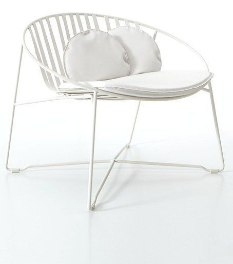 Low lounge #chair ELIPSE by Roberti Rattan | #design Gian Vittorio Plazzogna #white