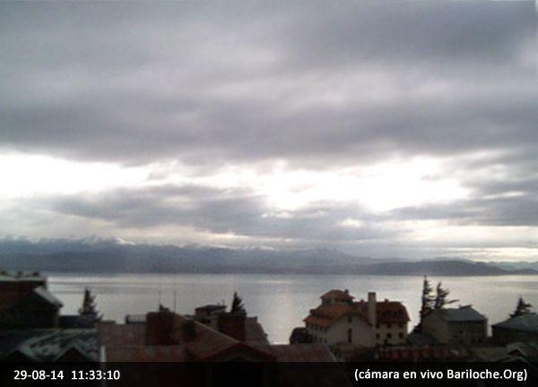 Viernes nublado en Bariloche, vientos leves, la temperatura actual es de 9°. El clima para el fin de semana en Bariloche.Org - Imagen cámaras en vivo www.bariloche.org
