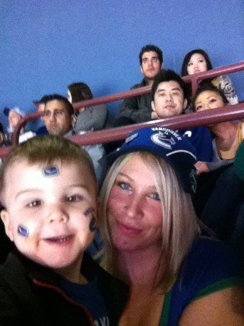 Our first Live NHL game.. Canucks!!