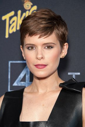Best Hairstyle Trends 2016, 2017: How To Get Kate Mara's Fantastic Four 2015 Movie Premiere Short Pixie Cut With L'Oreal | BeautyStat.com