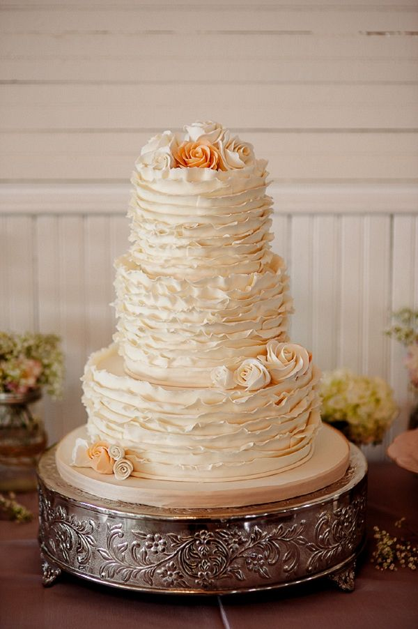 ruffled wedding cakes best 25 ruffled wedding cakes ideas on gold 19458