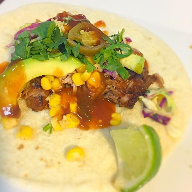 豚肩ロースをライムとオレンジジュースとスパイスで3時間煮込んだカルニータスにソフトトルティーヤ - 7件のもぐもぐ - Carnitas Tacos by Alisa