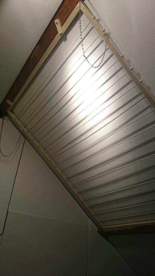Volledig opklapbaar wasrek voor op zolder. Past precies tussen de balken.