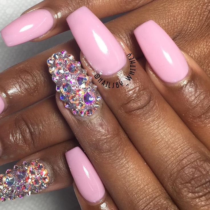 she said she want that bling bling. Nails by me  #branco #nails #wakeupandmakeup #preto #gelmanicure #rosa #love #hubabeauty #instanails #vegas_nay #nailswag #unhas #essie #opi #pretty#girl #anastasiabeverlyhills #styles #prettnails #cotd #nailedit #nailsbywhitney #Ohio #rainyday #love #photooftheday #rainbow #tbt #instagood by nailsby_whitney
