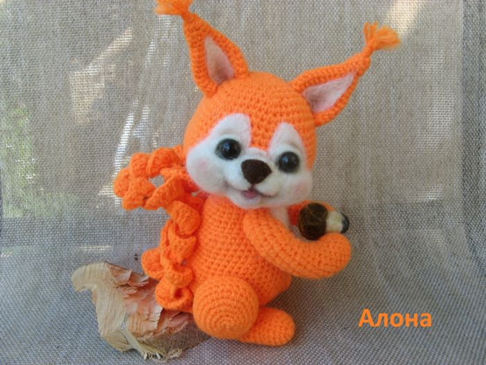 FREE Squirrel Amigurumi Crochet Pattern and Tutorial (use Google Translate)