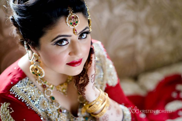 Bridal portrait of Pakistani bride (Kristen Borelli Photography, Vancouver Island Wedding Photography, Victoria Wedding Photography, Nanaimo Wedding Photography, Prince George Wedding Photography)