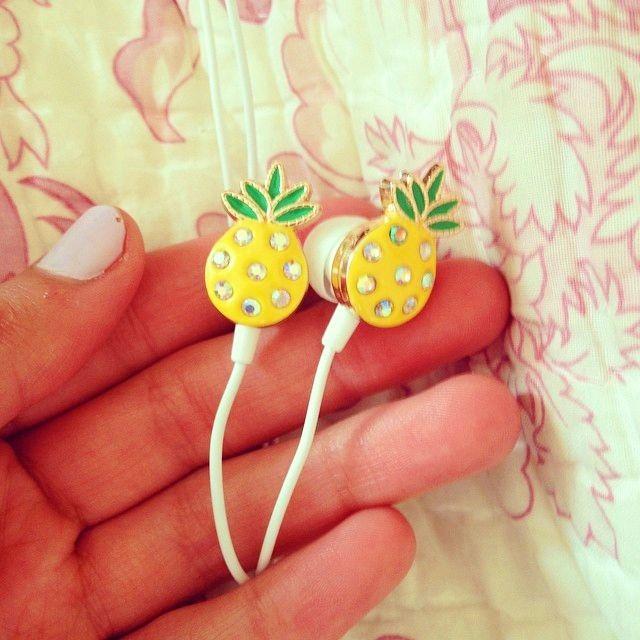 ♚♡★✰↠☮•⋆❁∙☯↜❅❀✶☼☢☻✖✥✧❁✱ Pineapples + cuteness= Bethany Buy alert