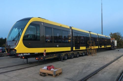 The first of 27 CAF Urbos 100 LRVs for Utrecht's Uithof Line has begun its journey from Spain to the Netherlands. Following delivery, the vehicle will go on public display at Nieuwegein depot in Utrecht on January 18 The 33m-long bidirectional LRVs have a maximum speed of 70km/h and accommodate up to 216 passengers. Due to open in 2018, the 7.5km Uithof line will connect Utrecht Central station with the Uithof universary campus on the eastern side of the city.