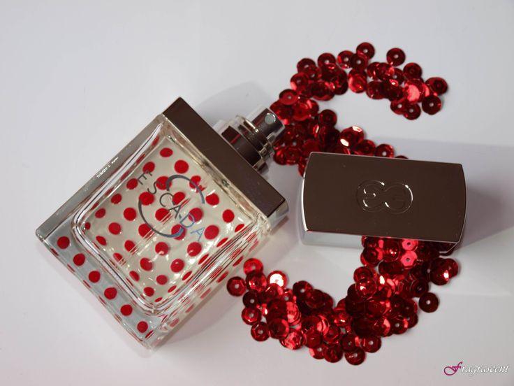 Escada S- perfume review on fragrascent.pl #escada #escada_s #perfume #fragrance #review #beauty #scent #perfumy #flakon #perfume_bottle #red #dot #dots #korek #s #sequins #cekiny
