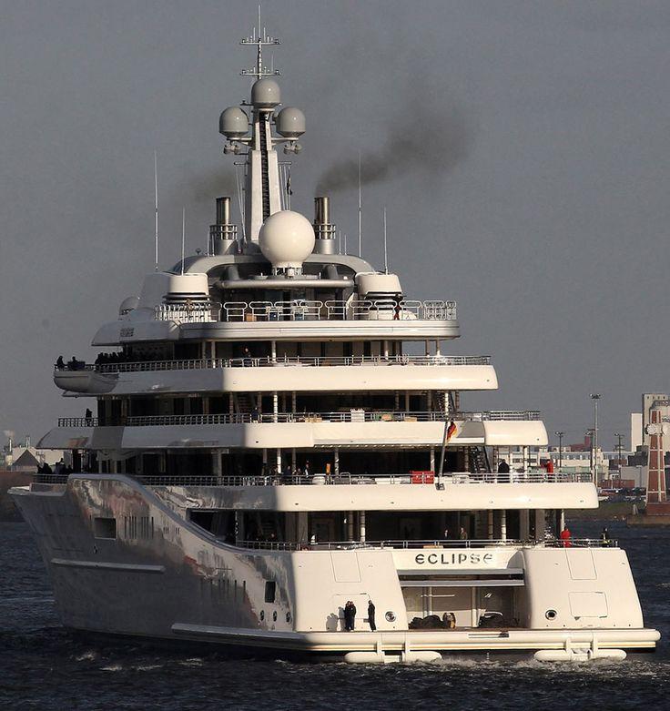 Roman-Abramovich-Yacht-aft1.jpg (942×1000)