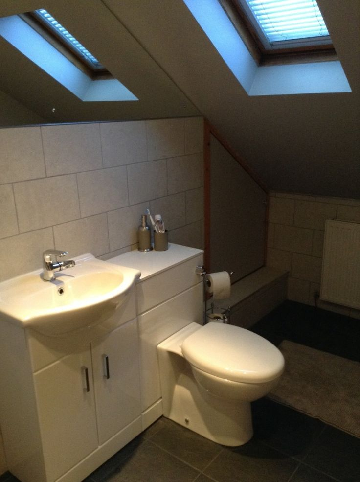 Combination Vanity Units For Small Bathrooms: #VPShareYourStyle Shaun From Dunfermline Has Cleverly Fit