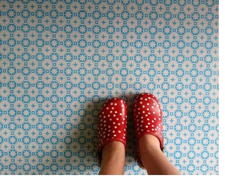 Voor de toiletvloer rose des vents blue vinyl floor tiles by zazous | notonthehighstreet.com