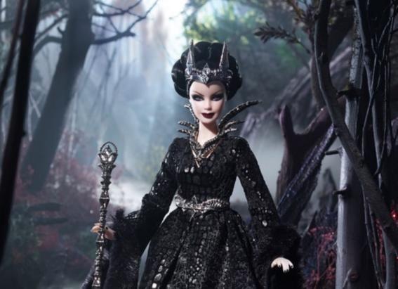 Me declaro ferviente fanática de las Barbies, y no me avergüenza decirlo. Si paso por el pasillo de los juguetes en el supermercado, me detengo a mira...