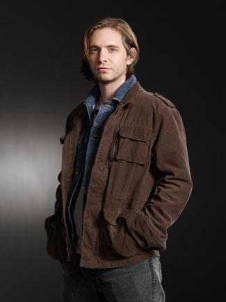 Aaron Stanford(as Seymore Birkhoff)