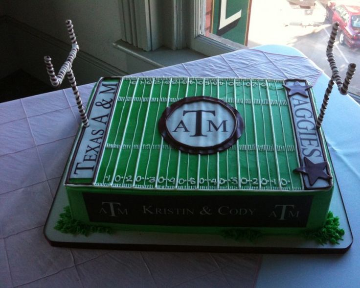 Aggie Groom's Cake from www.Sandeessweets.com