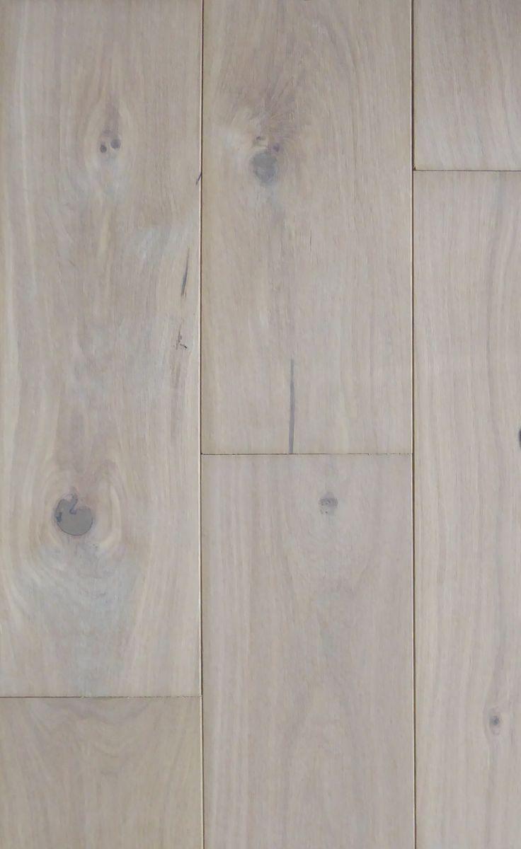 De vloeren trend van 2015, Rustiek Wit Geolied Eiken. Levendige uitstraling dankzij noesten en barsten. Productnr. FL2004-DEWG-18 https://gadero.nl/multiplank-rustiek-eiken-parket-wit-geolied-18cm/