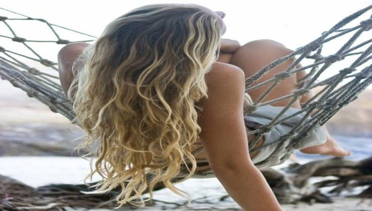 Σπιτικό σπρέι μαλλιών για κυματιστά μαλλιά «παραλίας»