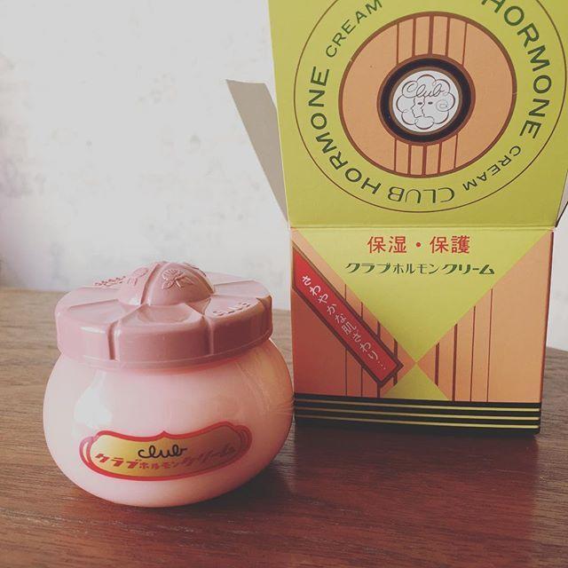 大人女子のニキビや跡に「ホルモンクリーム」が効くらしい♡ - Locari(ロカリ)