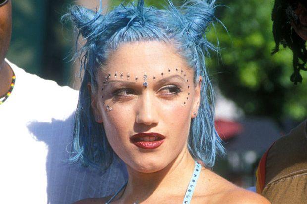 WATCH: Get Gwen Stefani's Iconic 90s Look in This Simple Makeup Tutorial