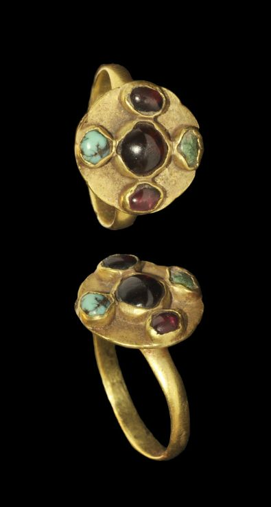 Merovingian Frankish Gold Jewelled Quincunx Ring, 5th century A.D.