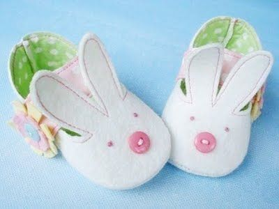 {The Ardent Sparrow}: Weekend Project Easter Felt  Baby Shoes